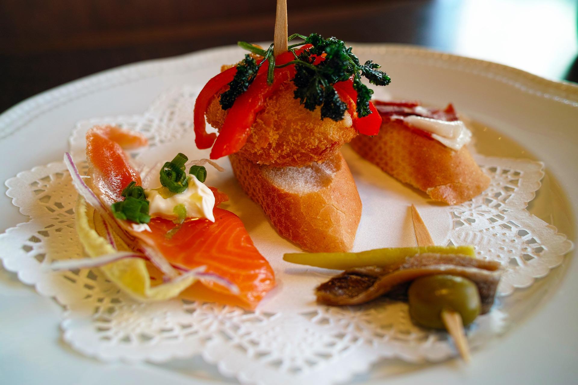 restaurant-1094268_1920.jpg