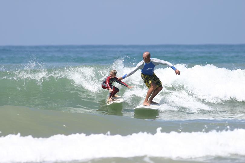 école de surf Erci Garry partenaire du camping oyam