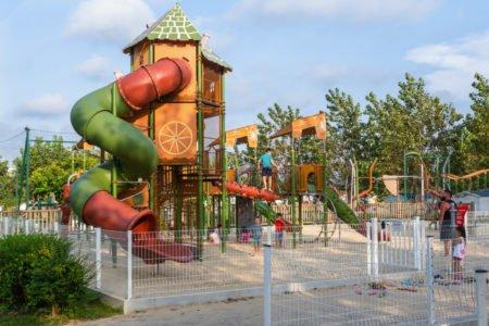 aire de jeux pour enfants au camping à Bidart