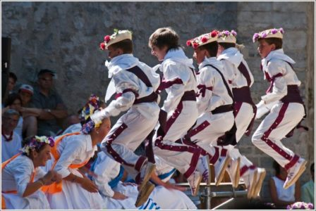 camping au pays basque et son folklore