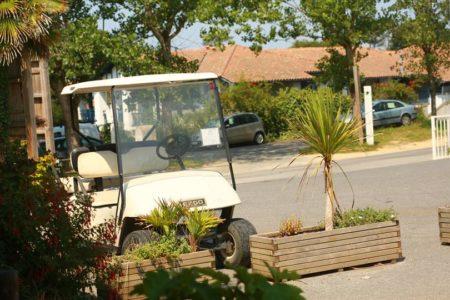 placeur en voiturette au camping oyam